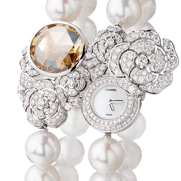 CHANEL Les Eternelles de Chanel Camélia Secret Watch-details
