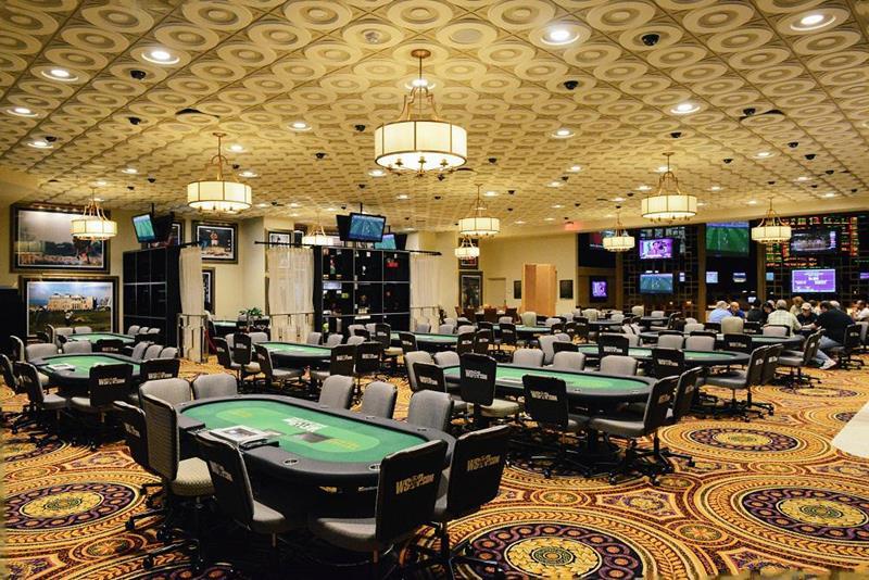 Caesars-Palace-in-Las-Vegas-int