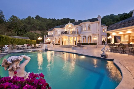 California is the state with the highest number of ultra wealthy individuals in the United States