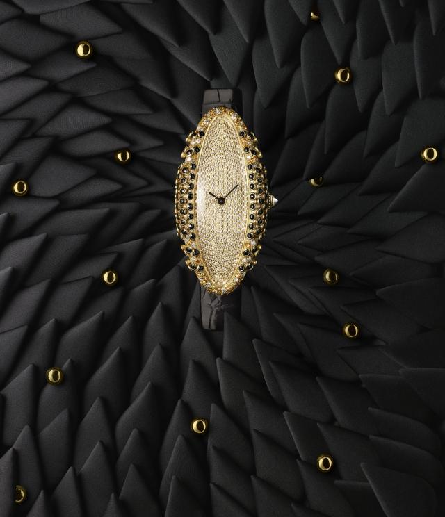 Cartier BAIGNOIRE ALLONGÉE BLACK WATCH 2019