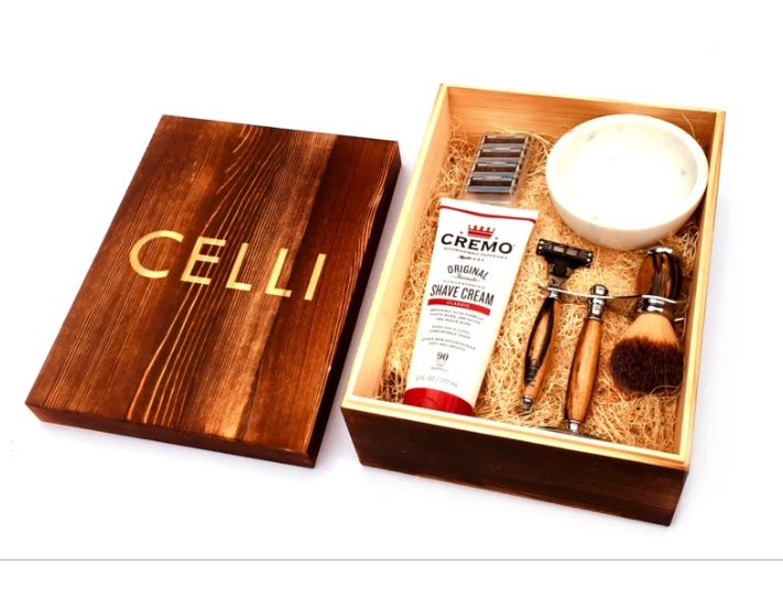 Celli Shave has released a limited edition, handmade razor blade gift set called the V shaving set