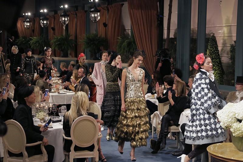 Chanel's Paris Cosmopolite 2016 2017 Métiers d'art Ready-to-Wear collection-