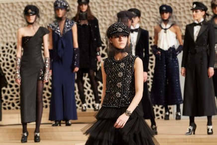 Chanel Paris-Hamburg 2017-2018 Métiers d'art show brought a feminine touch to traditional male sailors' outfits