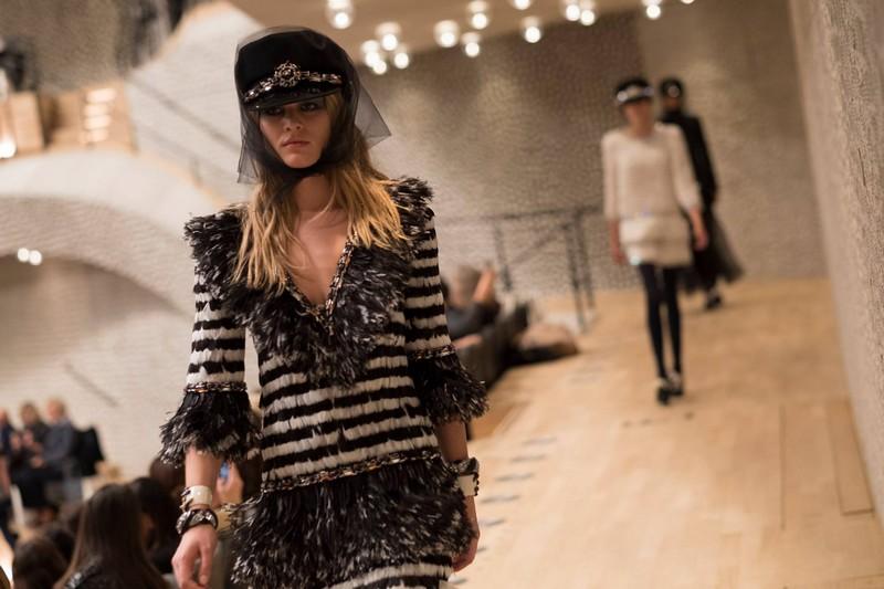 Chanel Paris-Hamburg 2017-2018 Métiers d'art show-09