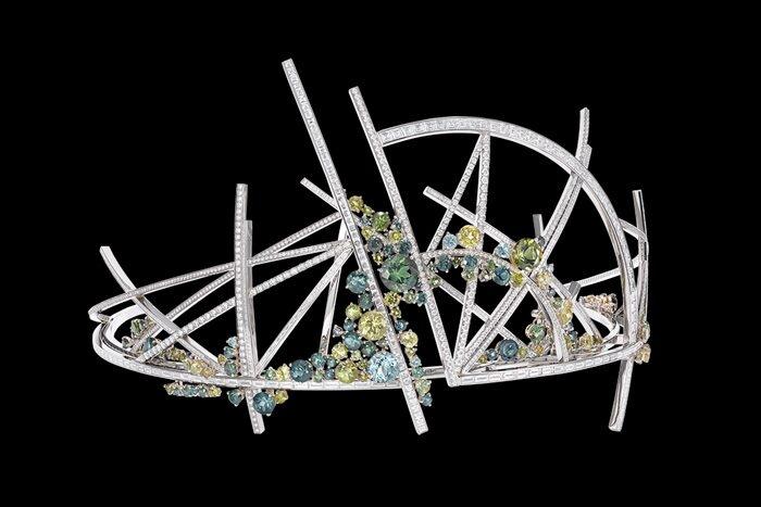 Chaumet Desse in de nature - French Gardens tiara