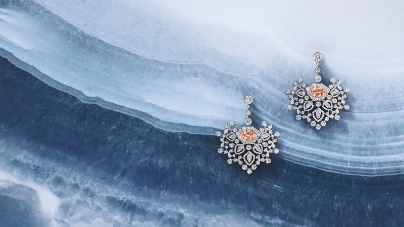 Chaumet Promenades Impériales captures the beauty of the Siberian winter-transformable necklace, brooches, earrings, rings and a supple bracelet