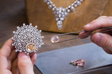 Transformable Haute Joaillerie: Dior reveals an unseen Versailles, while Chaumet is capturing the Russian winter