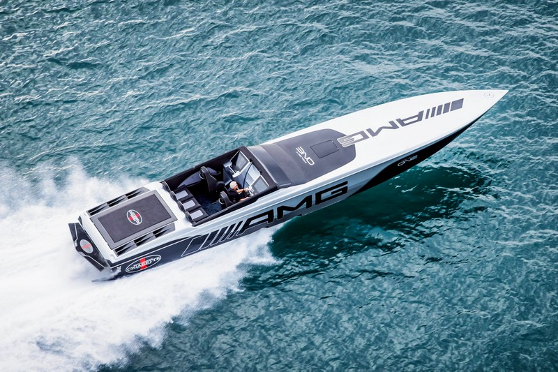 Cigarette Racing 515 Project ONE on water-2018