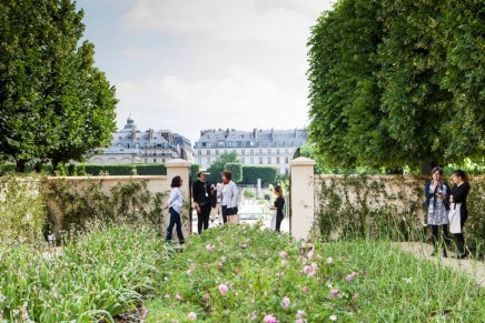 Chanel to make their own flower path in the Tuileries