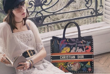 This new Dior Pop-Up debuts a personalisation service on the brand's much-loved Book Tote
