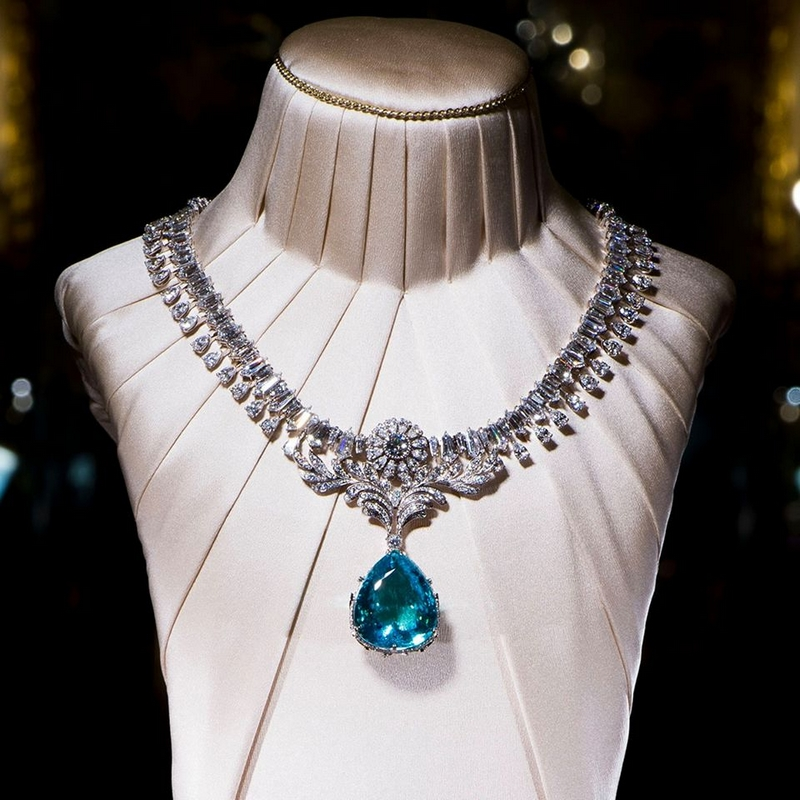 "Dolce & Gabbana Oceanina - The Dolce&Gabbana Alta Gioielleria necklace in white gold with Mozambican ""Paraiba"" tourmaline"