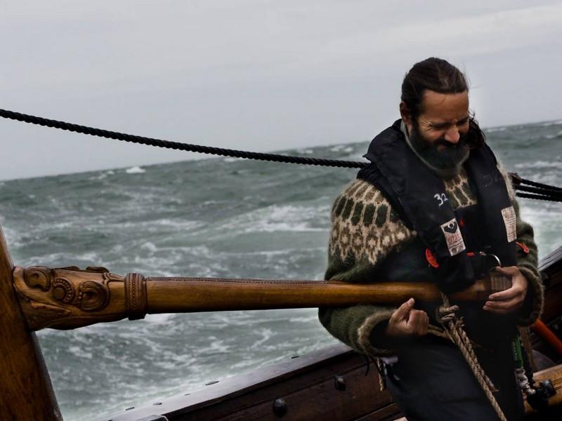 Draken Harald Hårfagre ship-stearing her can be a hard job.