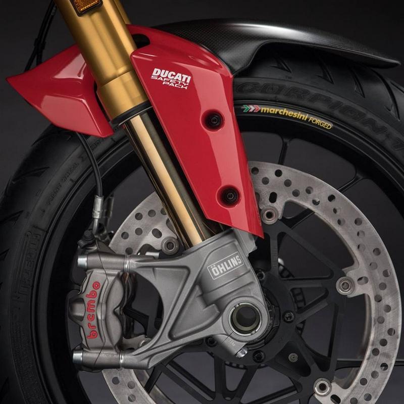 Ducati -Multistrada 1260 Pikes Peak's standard equipment