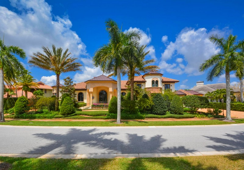 Estate in Boca Raton's Exclusive St. Andrews Country Club Listed for $5.89 Million-04