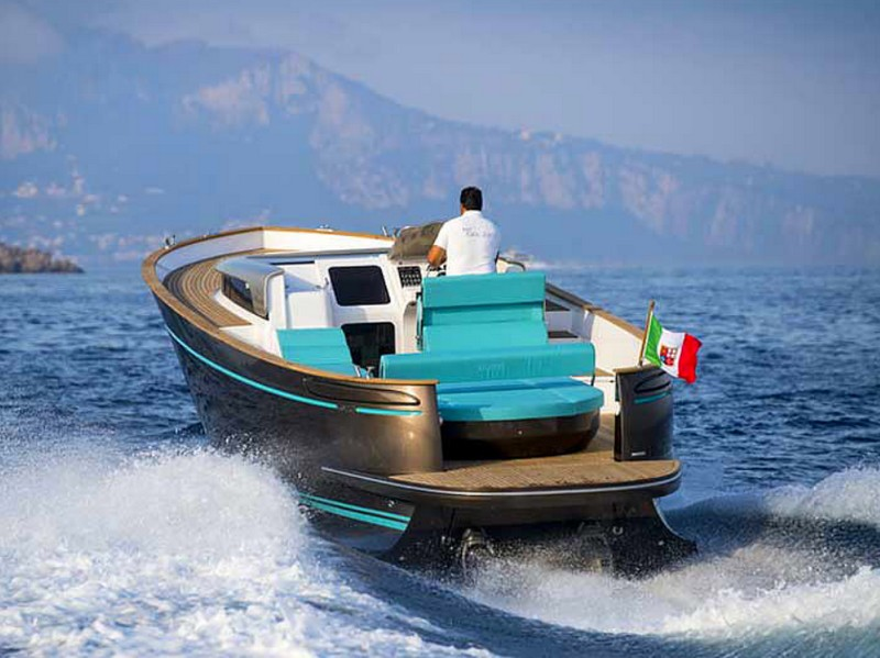 European Powerboat of the Year 2018 - Best Boats in the 35 feet category - Apreamare Gozzo 33