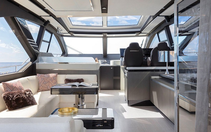 European Powerboat of the Year 2018 - Best boats over 45 feet - Azimut S 7