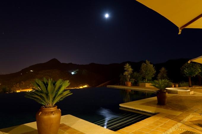 Exclusive Malaga villa with views of the Moroccan coastline