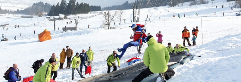 Extreme Sports All Experience Enthusiasts Need to Try - 5. Paraskiing