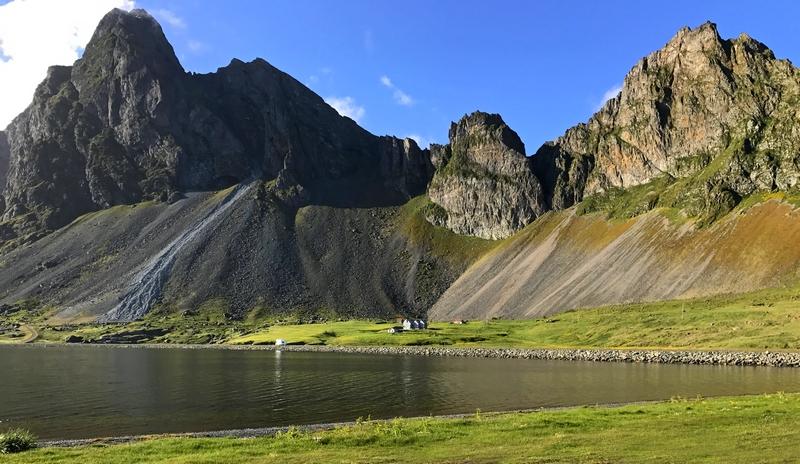 Eystrahorn mountain on the east corner of Lón Lagoon