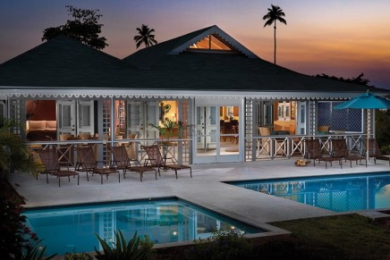 vacation rentals by luxury hotel chains. A response to short term rental booking sites