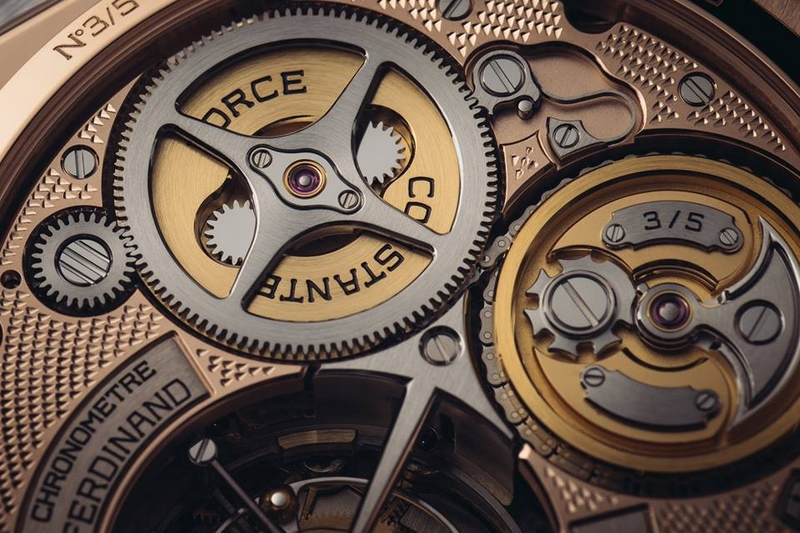 Ferdinand Berthoud Chronomètre FB 1 Oeuvre d'Or -2019 -02 With the Oeuvre d'Or, the FB 1 collection features for the first time a pyramid motif decoration