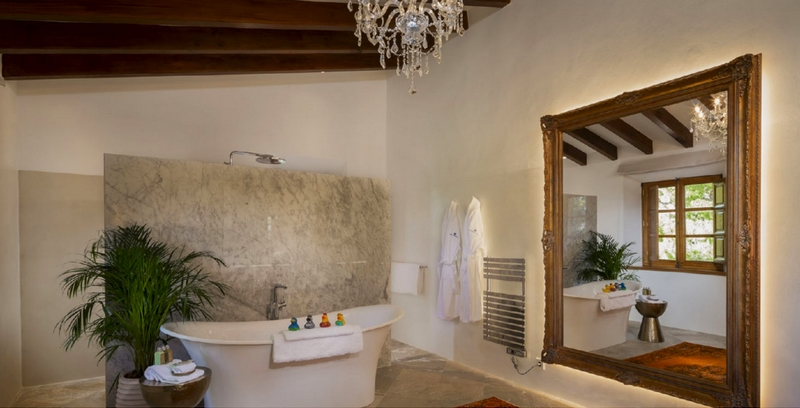 First Look at Virgin Limited Edition's Son Balagueret-bathroom