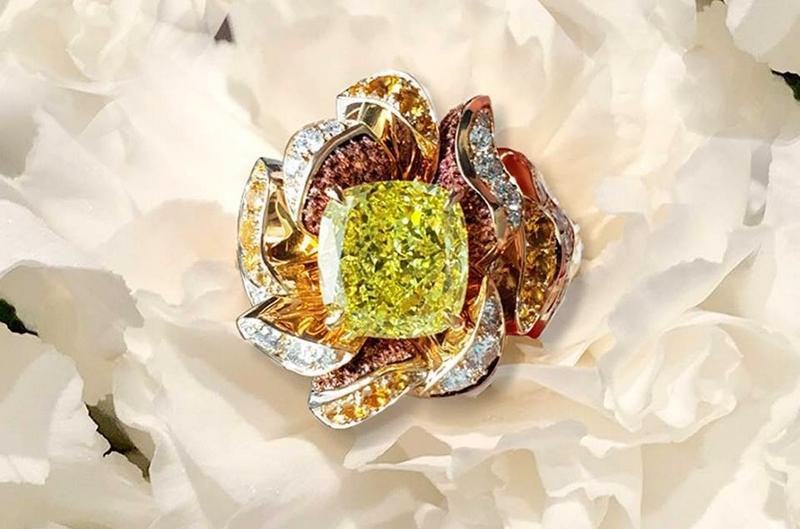 Fleurs olfactives uniques - Lorenz Bäumer - Olfactium Collection presents unique and innovative flower rings