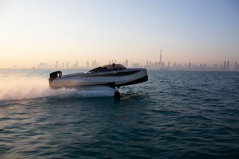 Foiler Flying Yacht 2020-01