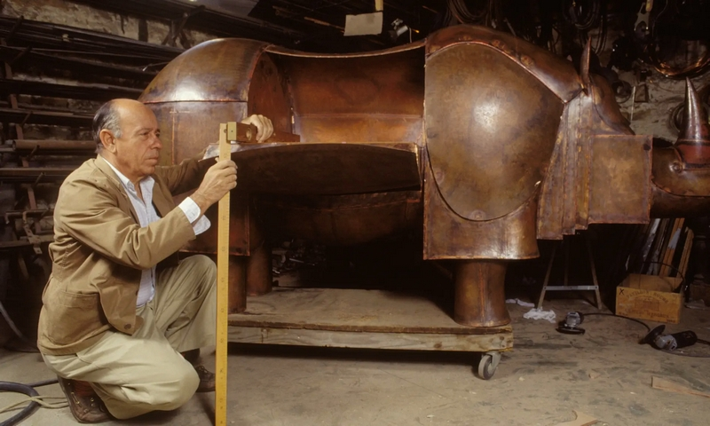 François-Xavier Lalanne creating his rhino desk in 1991