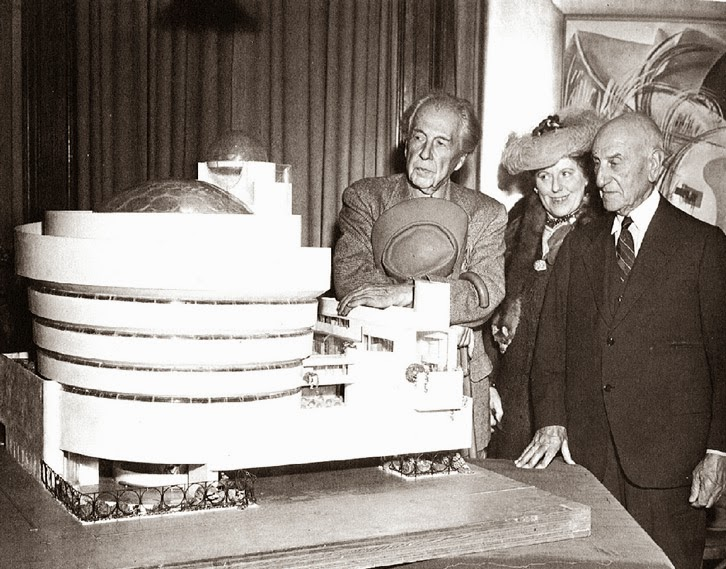 Frank Lloyd Wright - Guggenheim Museum New York-