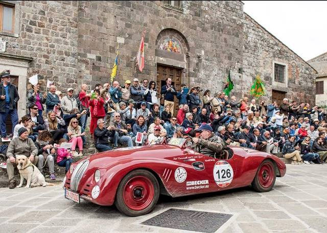 Fun things to do in Siena in one day - Mille Miglia on le Terr