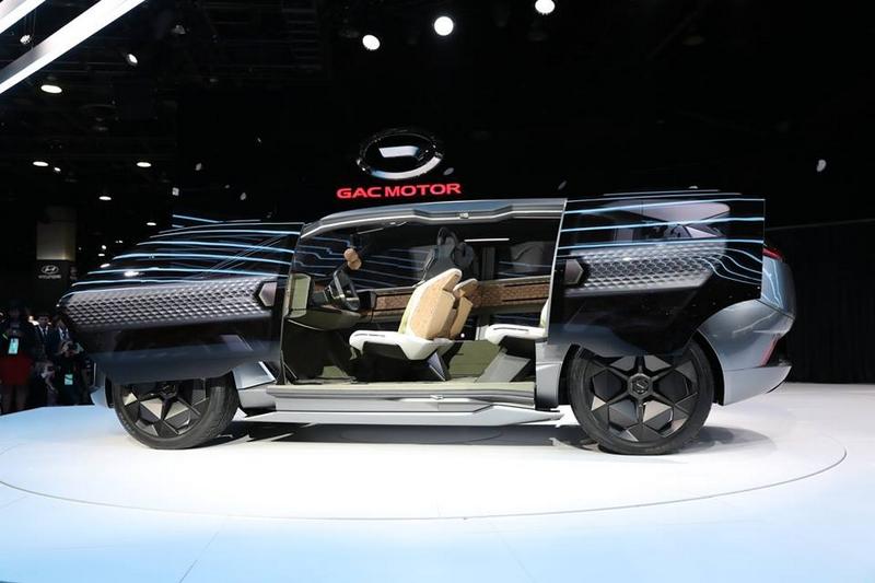 GAC unveiled the concept vehicle Entranze EV. It is the first concept vehicle from GAC's North America design studio in California-
