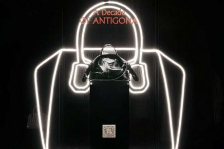 Givenchy Antigona celebrates anniversary with a sensual version of its elder sister