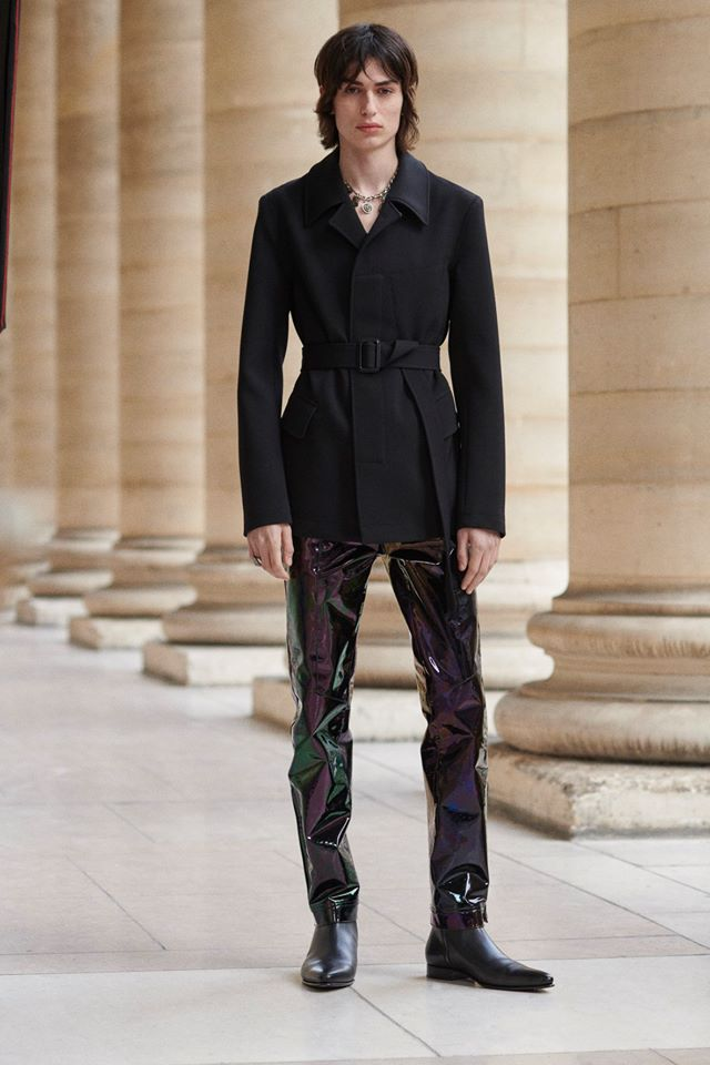 Givenchy Fall Winter 2019 Men collection designed by Clare Waight Keller - Look 1