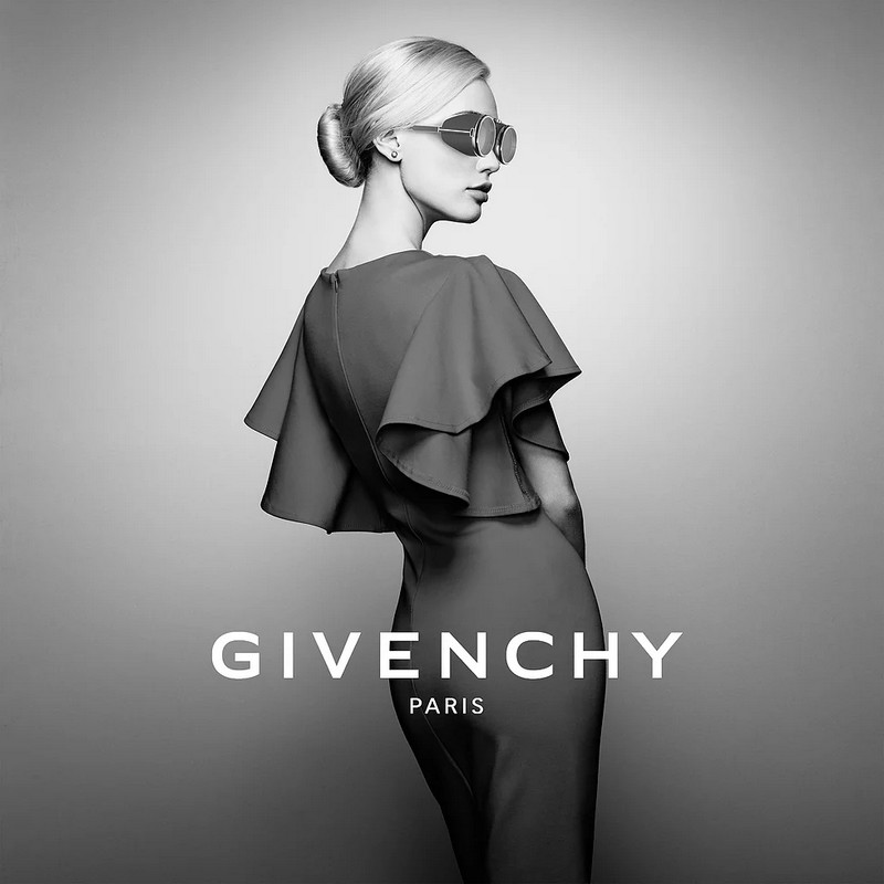 Givenchy x VR products-