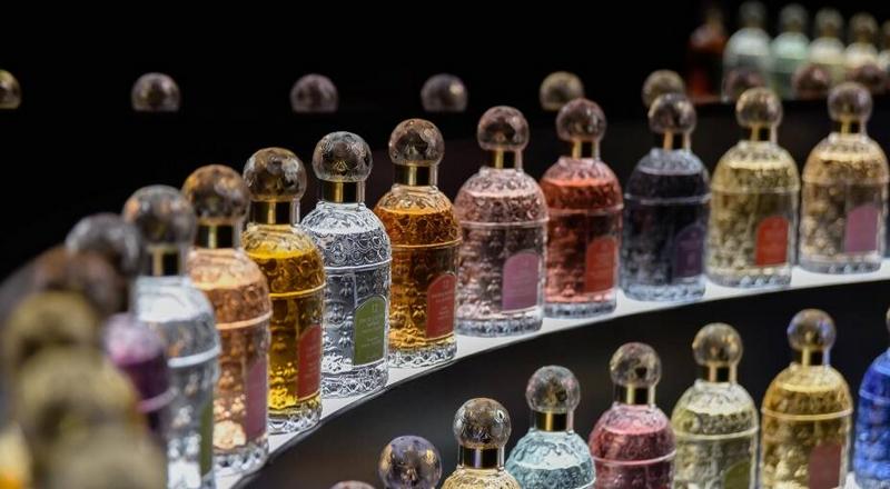 Guerlain's Mindscent is a fragrance finder powered by emotion sensors-