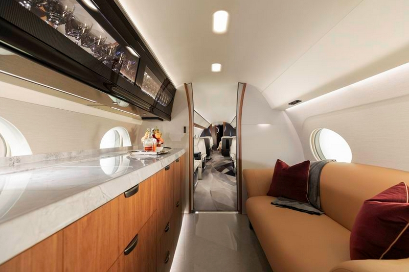 Gulfstream Aerospace unveiled the G700 as its newest flags-2019