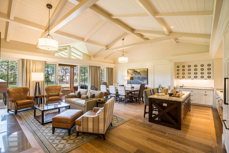 HERE'S A STEP INSIDE THE EASTWOOD GOLF COTTAGE LIVING ROOM