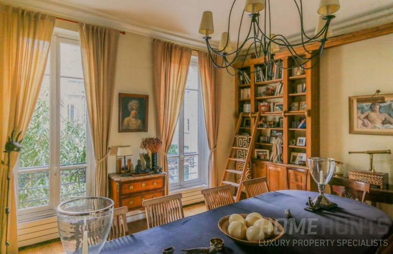 HOUSE FOR SALE IN 16TH TROCADÉRO - ETOILE - PASSY