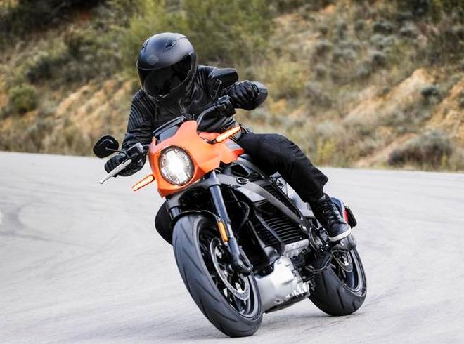 Harley-Davidson Livewire 2019 on the road