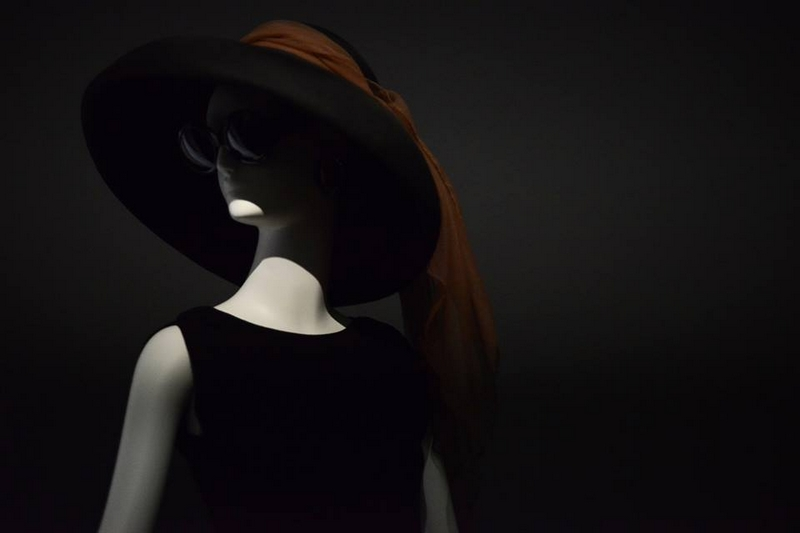Hat and little black dress worn by Audrey Hepburn in breakfast at Tiffanys 1961