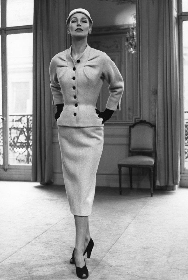 Haute Couture Pierre Cardin Paris 1952