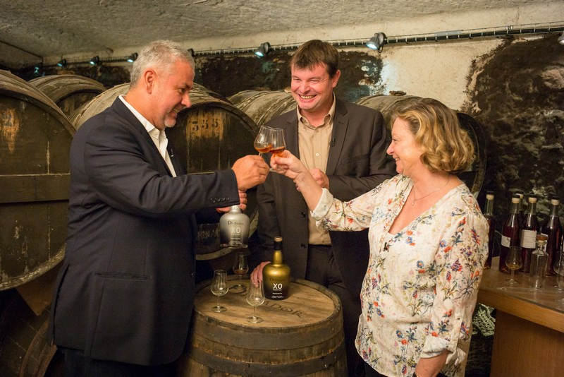 Hernan Parra (Dictator Rum Master Distiller), Mickaël Bouilly (Hardy Cognac Cellar Master), and Bénédicte Hardy (owner of Hardy Cognac) toasting the 2 Masters project