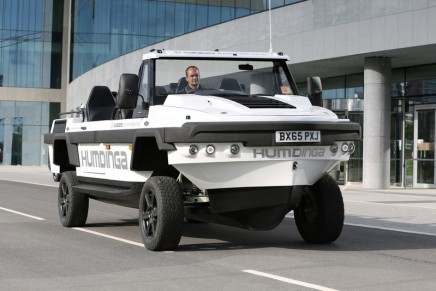 High Speed Amphibian: The Humdinga – one of the more rugged vehiclescapable both off-road and on-water