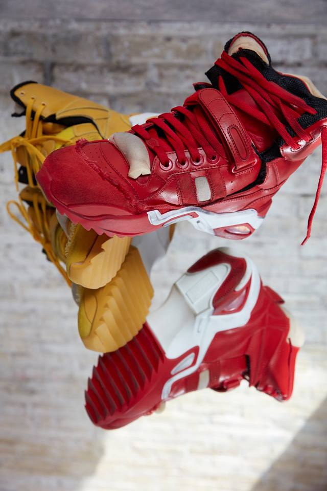 High-Top Retro Fit sneakers in red and yellow