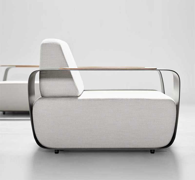 Higold Onda, the outdoor furniture collection designed by Pininfarina for Higold--