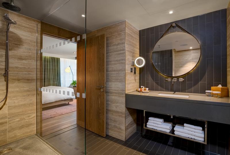 Hilton Hotels -London Bankside_Vegan Suite-Bathroom