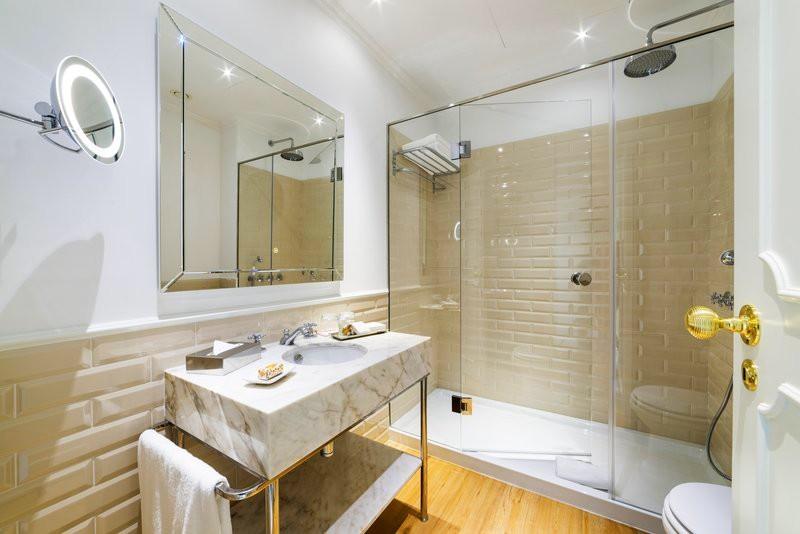 Hotel Infante Sagres - gallery - bathroom