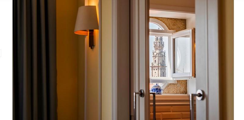 Hotel Infante Sagres - windows