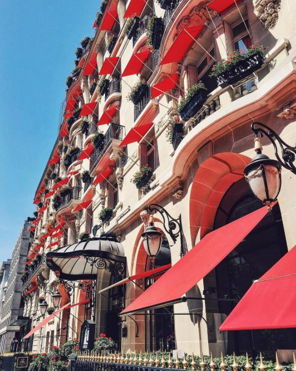 Hotel Plaza Athenee - Avenue Montaigne - Iconic Red Facade